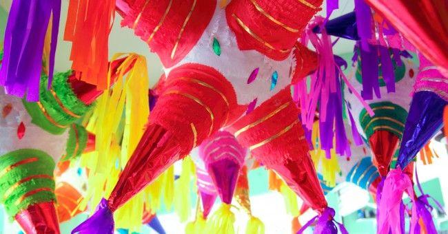 Cómo hacer piñatas mexicanas de Navidad - utilidad.com