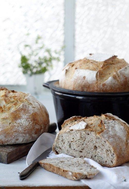 Magvas Graham-kenyér kenyérmaggal sütve