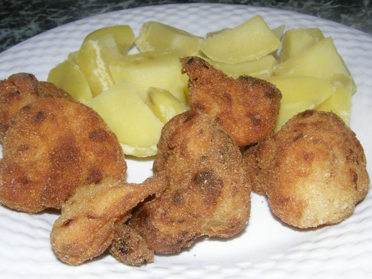 Kytičkový den - vařený květák obalený ve Hrášce na obalování a opečený, příloha vařený brambor