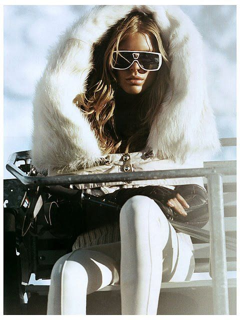 Skiing in white on white....heavenly seductive!