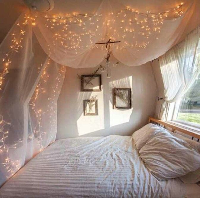 Bedroom decor.. in love with the lights