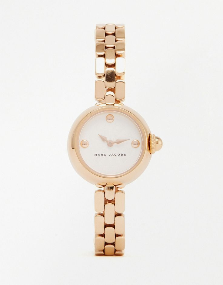 Wat vinden jullie van deze Marc Jacobs Rose Gold Courtney horloge? Gaaf toch! Hij is nu ook nog in de uitverkoop! #dames #vrouwen #mode #accessoires #sieraden #goud #women #fashion #accessories #jewelry #watch #gold