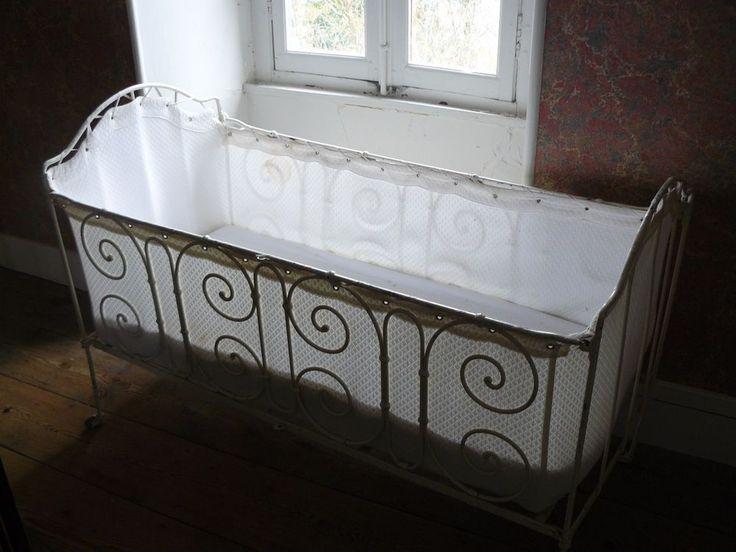 les 25 meilleures id es de la cat gorie lit fer forg sur pinterest d cor fer forg lit metal. Black Bedroom Furniture Sets. Home Design Ideas