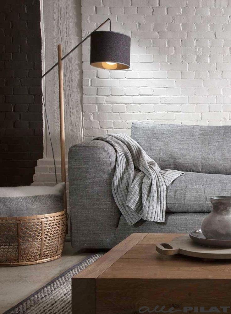 17 beste idee u00ebn over Grijze Banken op Pinterest   Lounge decor, Familie kamer decoreren en