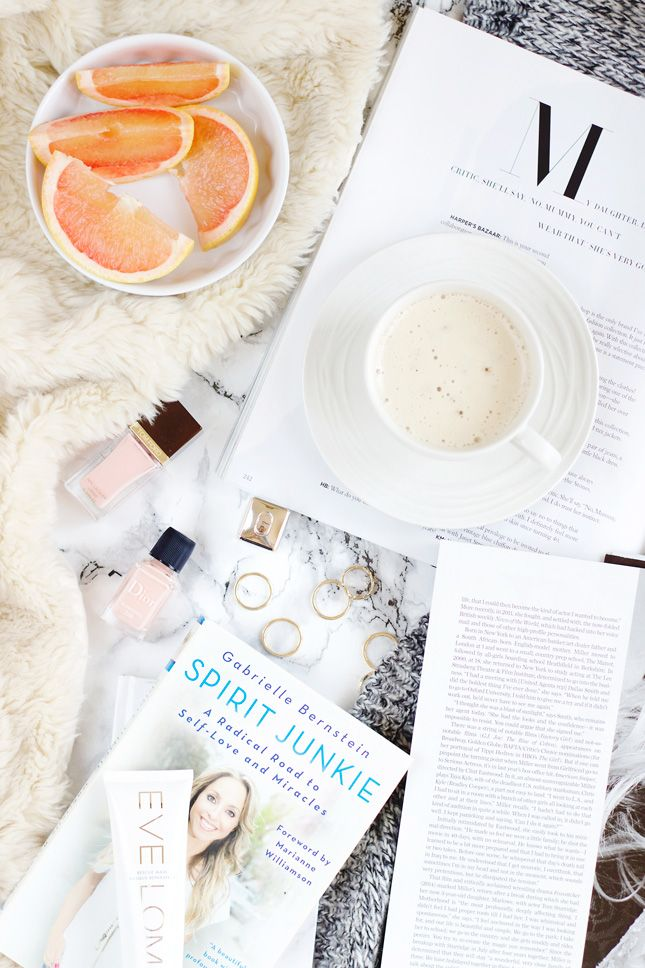 Wanna learn how to take a gorgeous, bright flatlay photo?