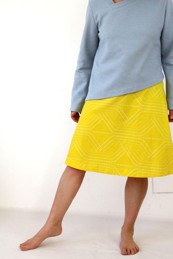 Sommerpullover blauer Pullover, gelber Rock,  fashion  yellow  blue  skirt     ma 1  SO Kollektion   Pinterest 9c70c02406
