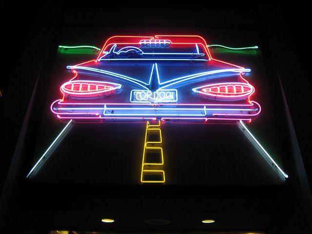 Car neon closeup On a fait une vidéo pour présenter vos projets, un draw my life en 3D :) http://studiocigale.fr/films/?catid=1&slg=29