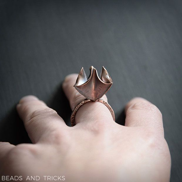 Foldforming on a ring: copper flower | Beads and Tricks