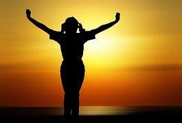 """Il Respiro: La respirazione è un processo ritmico apparentemente spontaneo. """"Respirare"""" deriva dal latino """"spirare"""", cioé """"respirare"""" e """"spiritus"""", """"spirito"""". #meditazione #respirazione #benessere #naturopatia #metafisica #esoterismo #alchimia"""