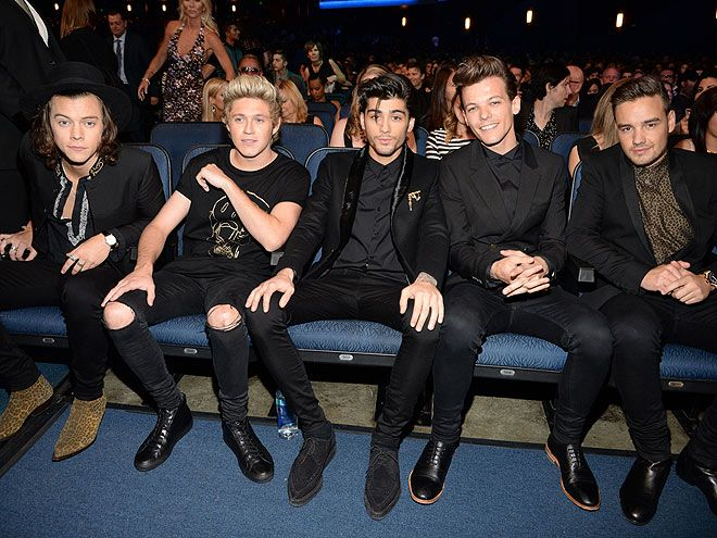 American Music Awards Moments You Didn't See on TV | O HOLEY NIGHT | The men of One Direction keep their cool before accepting the evening's biggest honor, the favorite artist award.