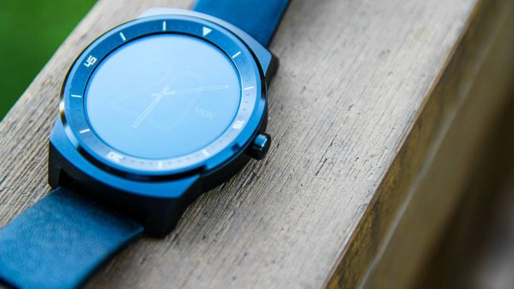 LG G Watch R review: http://www.androidauthority.com/lg-g-watch-r-review-543666/