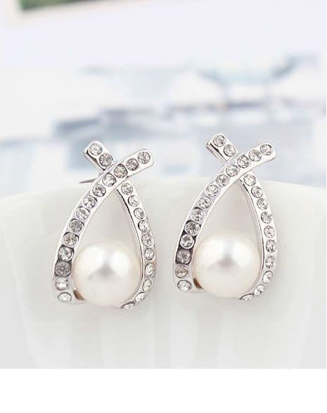 Fashionable Stud Earrings With White Gold Plated Details$20.00 ,Style No.: LJE00025