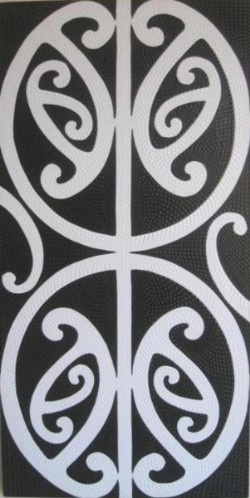 PAINTING Kowhaiwhai - White on Black  Robianto