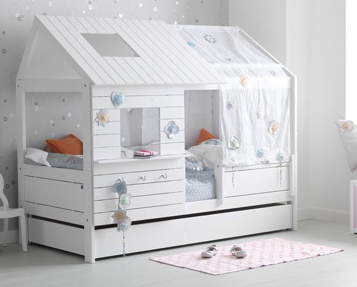 K b smuk og eksklusiv tr hytte til pigev relset casa for Cama habitacion infantil