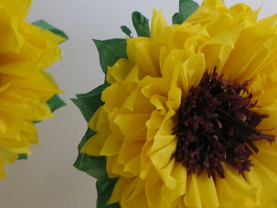 HAPPY SUNFLOWERS. 5 Giant Paper Flowers, autumn wedding, photo booth, birthday…