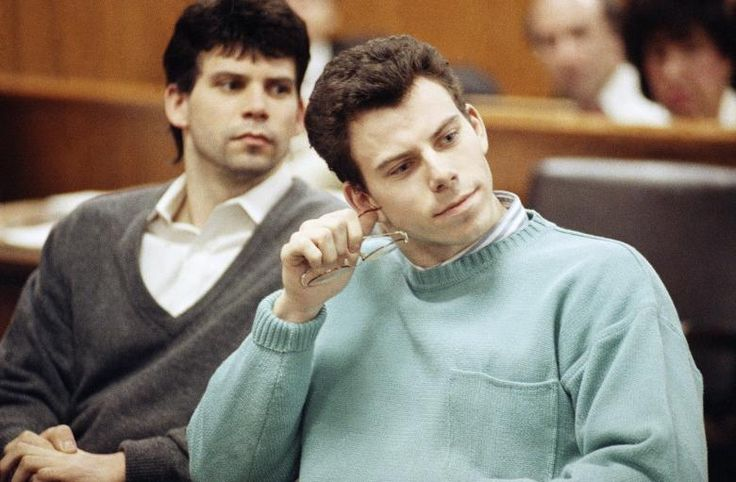 "August 20, 1989: The Menendez brothers murder their parents. Lyle and Erik Menendez shoot their parents, Jose and Kitty, to death in the den of the family's Beverly Hills, California, home. They then drove up to Mulholland Drive, where they dumped their shotguns before continuing to a local movie theater to buy tickets as an alibi. When the pair returned home, Lyle called 911 and cried, ""Somebody killed my parents!"""