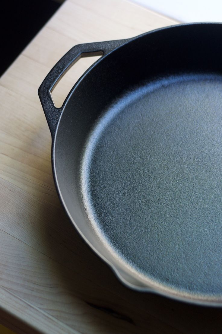 I Seasoned My Cast Iron Pan with Flaxseed Oil, and Here's What Happened — Conquering Cast Iron