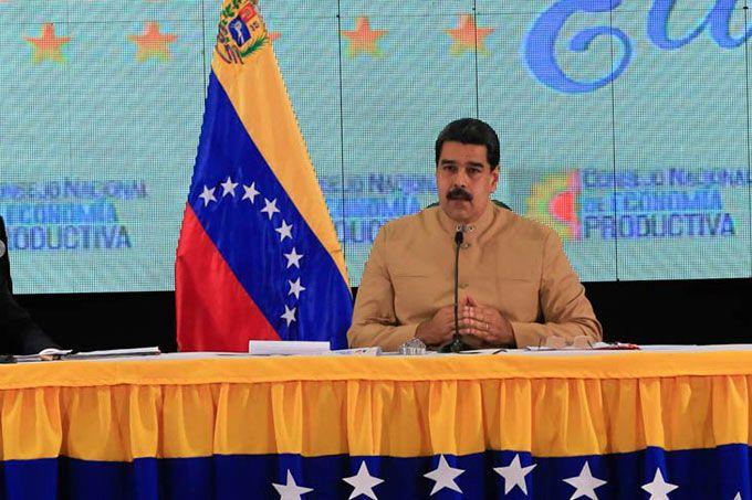 Maduro: Bolívar es alma viva levantada del recuerdo por los pueblos