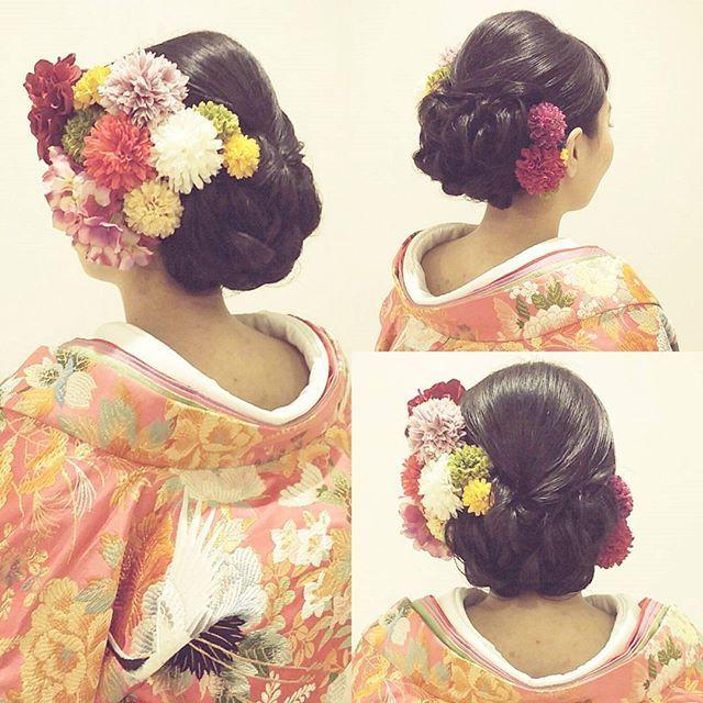 先日の結婚式ロケーション撮影のお客様 ヘアは和っぽく、お任せ 下めにボリュームを出して 黒髪なのでツヤを大事に作りました #ヘア #ヘアメイク #ヘアアレンジ #結婚式 #結婚式ヘア #ウェーブ #ブライダル #ウェディング #名古屋 #バニラエミュ #セットサロン #ヘアセット #アップスタイル #ヘアスタイル #プレ花嫁 #花 #前撮り #アクセサリー #和装 #撮影 #ファッション #成人式 #卒業式 #style #photo #cute  #hair #wedding #beauty #hairmake