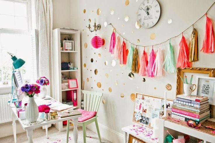 Красивый яркий офис свадебного стилиста Sundari Kumar