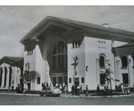 Над входом у вокзал станції Вінниця висів портрет Сталіна | Новини Вінниці - 20 хвилин