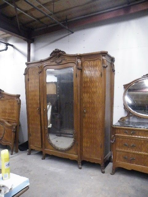 Beautiful Italian Walnut Parquetry Valabrega Antique Bedroom Set Armoire  11pl1