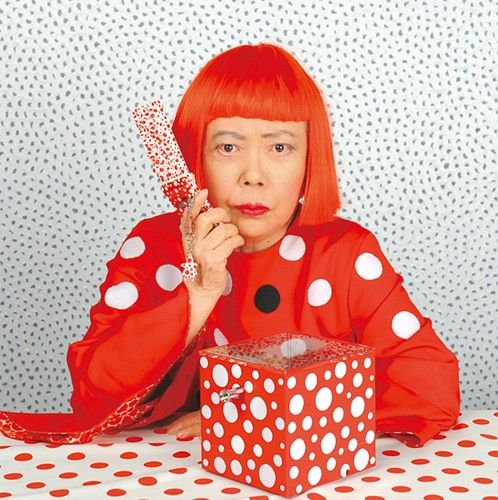 Yayoi Kusama's iconic polka dots please us! A feminist icon as well as an artist, she is also the subject of Tate Modern's latest retrospective exhibition. We will sure be swinging by!