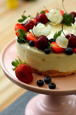 Kakkuviikarin vispailuja!: Persikkainen valkosuklaajuustokakku