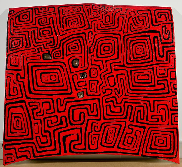Jackie Kurltjunyintja Giles (ca. 1944), Valiant, 2007, acrylic paint on automobile bonnet. Kayili Arts, Queensland Gallery of Modern Art, Brisbane. Malu (kangaroo) is Giles's tjukurrpa (dreaming). The maze-like designs relate to rainwater filling the channels of the the Gibson Desert. These patterns also can be found incised on pearl shells associated with rain-making ceremonies and spirits and which were traded throughout the desert.
