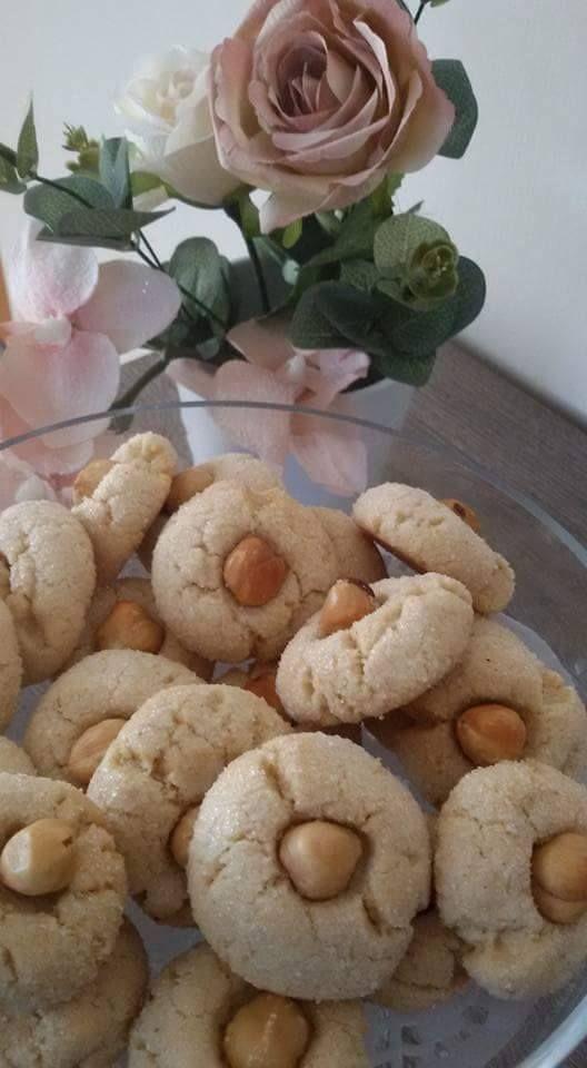 Questi biscottini sono ideali nel pomeriggio, da servire accompagnati con un thè.