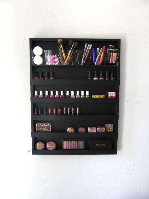 Organizador de maquillaje empotrado en la pared