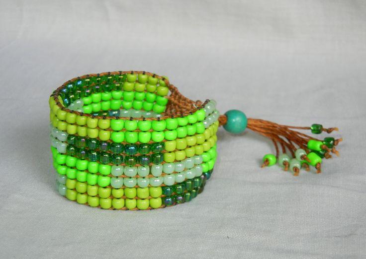Pulsera en chaquiras de colores