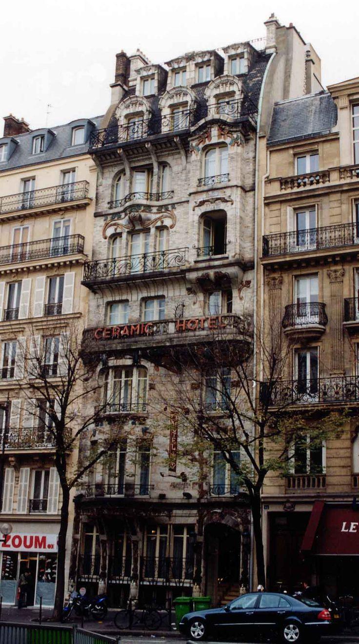 Jules Lavirotte.   Ceramic Hotel.