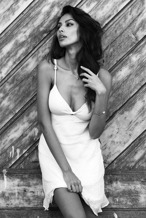 Madalina Diana Ghenea 04