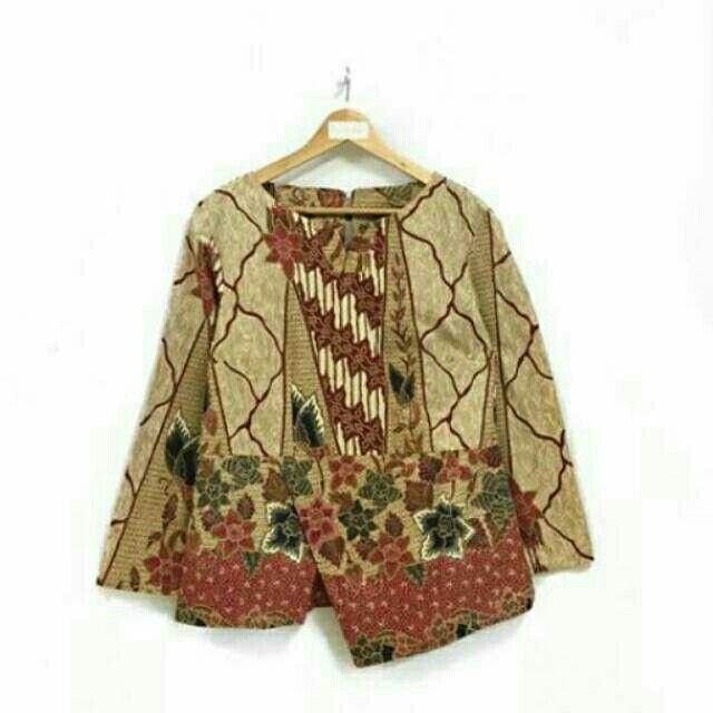 Saya menjual Blouse kantor batik seharga Rp114.000. Dapatkan produk ini hanya di Shopee! https://shopee.co.id/nurika.batik/215856465 #ShopeeID