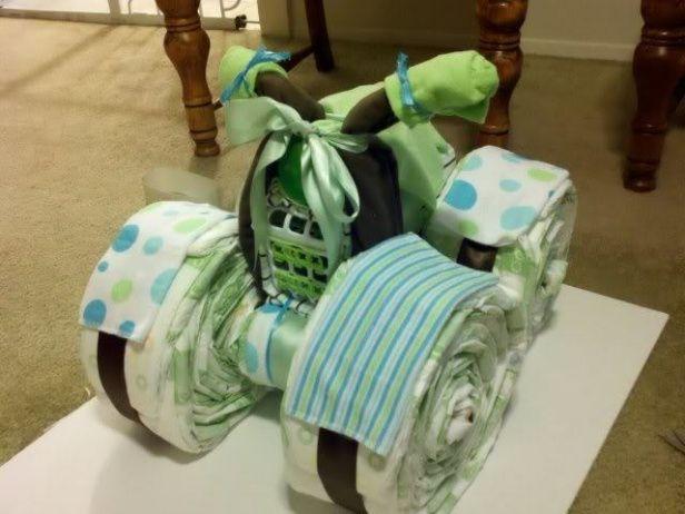ベビーの出産祝いにかわいいおむつケーキ(バイク)