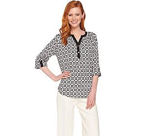 C. Wonder Trellis Print 3/4 Sleeve Split Neck Blouse