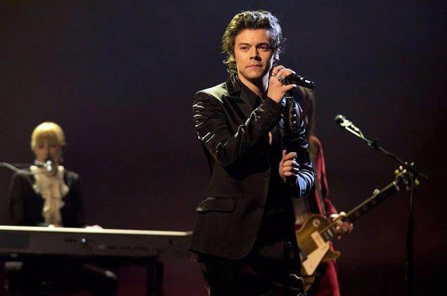 "Former One Direction member, Harry Styles performed his latest song ""Sign of the Times"" on The Graham Norton Show in the UK."