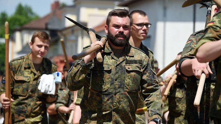 """""""Nationalgarde"""" für innere Sicherheit?: Bund erwägt Reservisten-Armee zur Polizei-Unterstützung"""