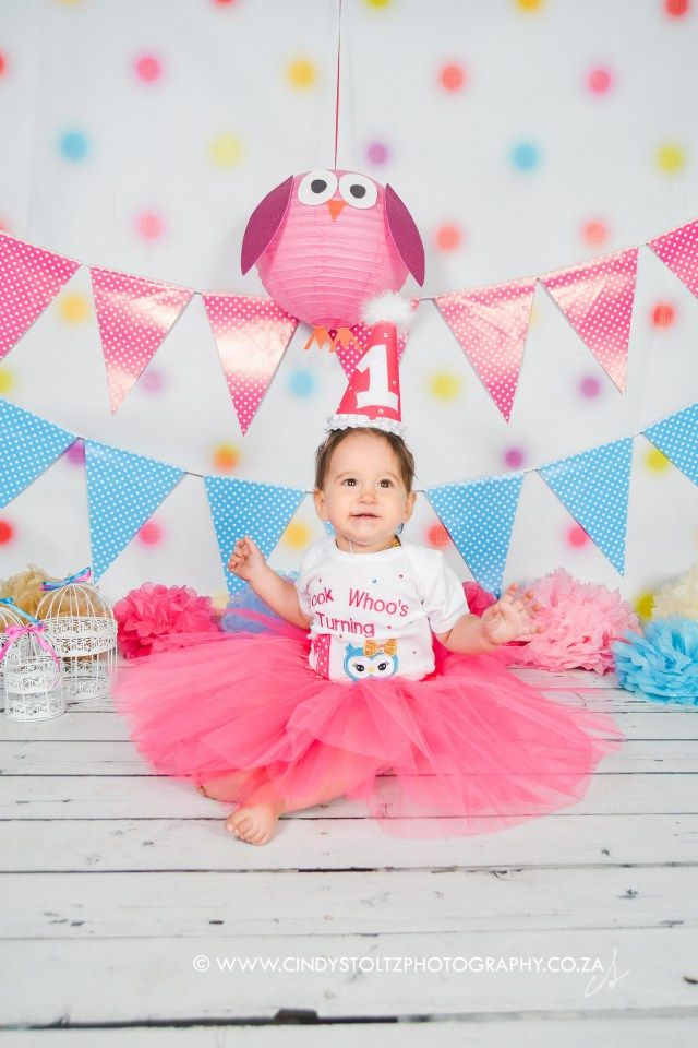 Gorgeous brown-eyed girl, Sienna, came to visit for a cute little Owl-themed cake smash. This little one had so much fun, she didn't want to stop! Beautiful custom outfit by Subella Baby Bout…