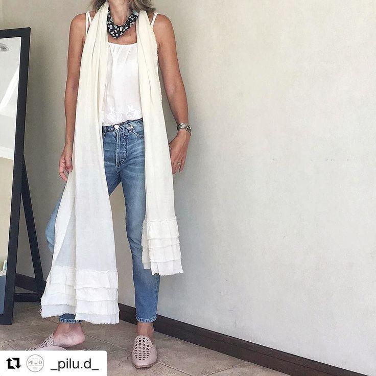 Y @_pilu.d_ no dudó un segundo en ponerse el #caminodegasaconvolados como echarpe como dice ella!! Y le quedó súper lindo !! La gasa es 100% algodón y se utiliza en prendas que son ideales para el verano así que es una idea  genial de Pilu  . #caminoconvolados#mimi #Repost @_pilu.d_ (@get_repost)  Cuando una es fanática de los pañuelos y trapos no podes sacarte la idea de usarlos y cualquier cosa que se le parezca va directo a mi cuello . El sábado vino @mimihomelove a casa y me trajo unos…