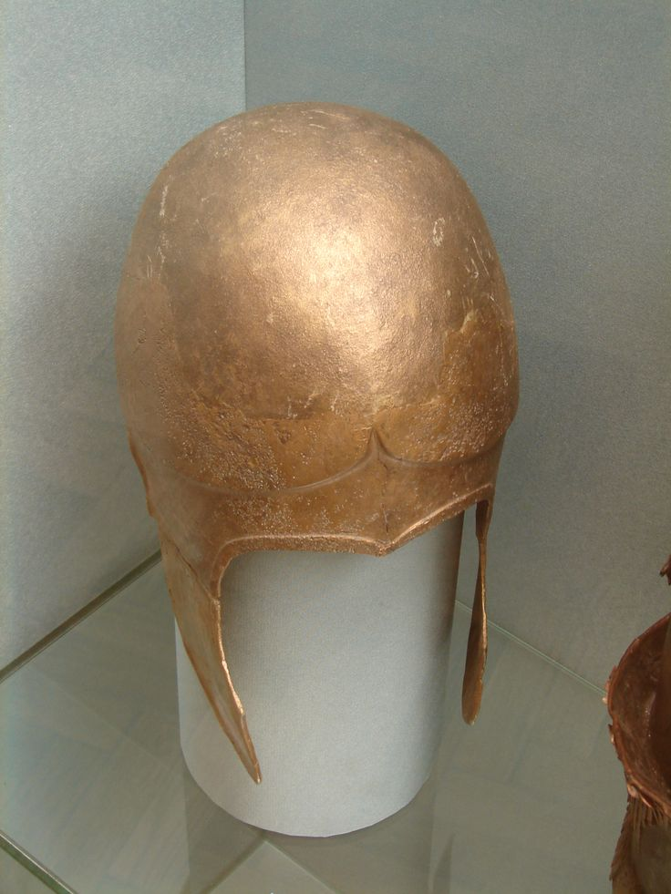 Аттический шлем. Бронза. IV в. до н.э. Краснодарский край.  Attic helmet. Bronze. 4th c. BC. Krasnodarsky kray.