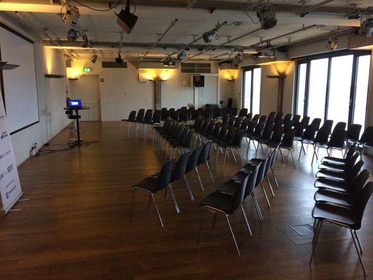 DDMA Data en Dialoog 2014 | Pakhuis de Zwijger - Kleine Zaal | 50p #event #dagvoorzitter #presentator #locations #stages #chairman #congres #zalen #venues #theaters #podia