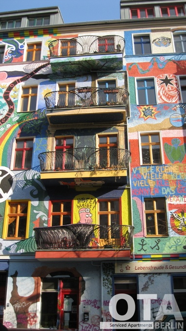 Colourful house Friedrichshain Berlin Kreuzberg Kreutzigerstrasse