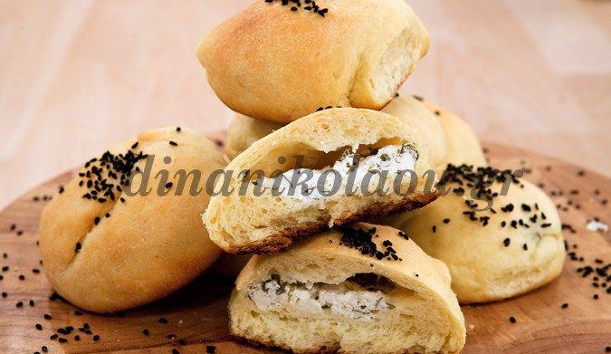 Ψωμάκια πατάτας γεμιστά με τυρί