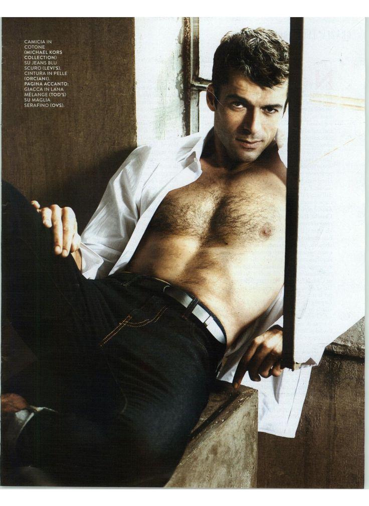 Il bellissimo Luca Argentero, posa per @graziait con camicia blanche OVS #OVS #OVSpressclipping #LucaArgentero #GRAZIA
