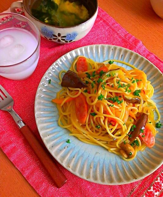ソーセージ、茄子、ブラウンマッシュルームで和風ペペロンチーノ醤油麹入り。 - 29件のもぐもぐ - 和風ペペロンチーノ。ワカメとたまごスープ。 by kyon33cocoa