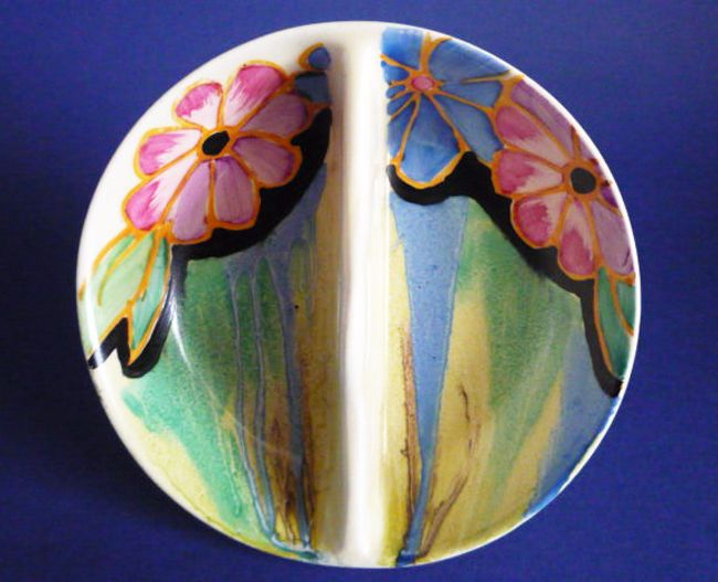 Rare Clarice Cliff Bizarre Delecia Daisy Twin Preserve Dish c1933 Produced in small .quantities in 1933 the daisy pattern is probably the rarest of the delecia floral patterns This is a superb double preserve dish