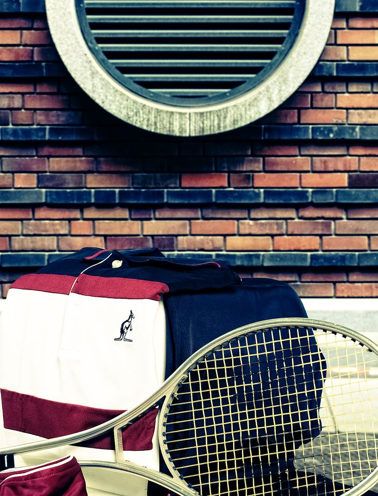 Be able to adapt without sacrificing #style. Australian,the versatile side of the sport. #sportswear #Australian #menswear #tennis #lovetennis #tennislover #urban #wearing