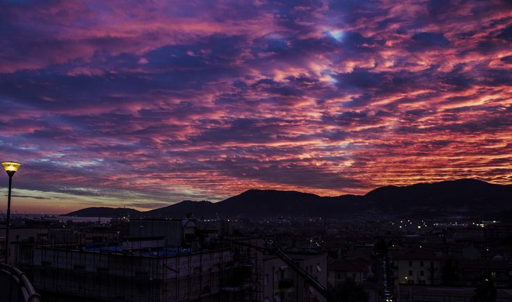 This is La Spezia, i looked out of the window and i made this shot for the community, what a magical sunset  #travel #laspezia #sunset #color #italia #liguria #tourism